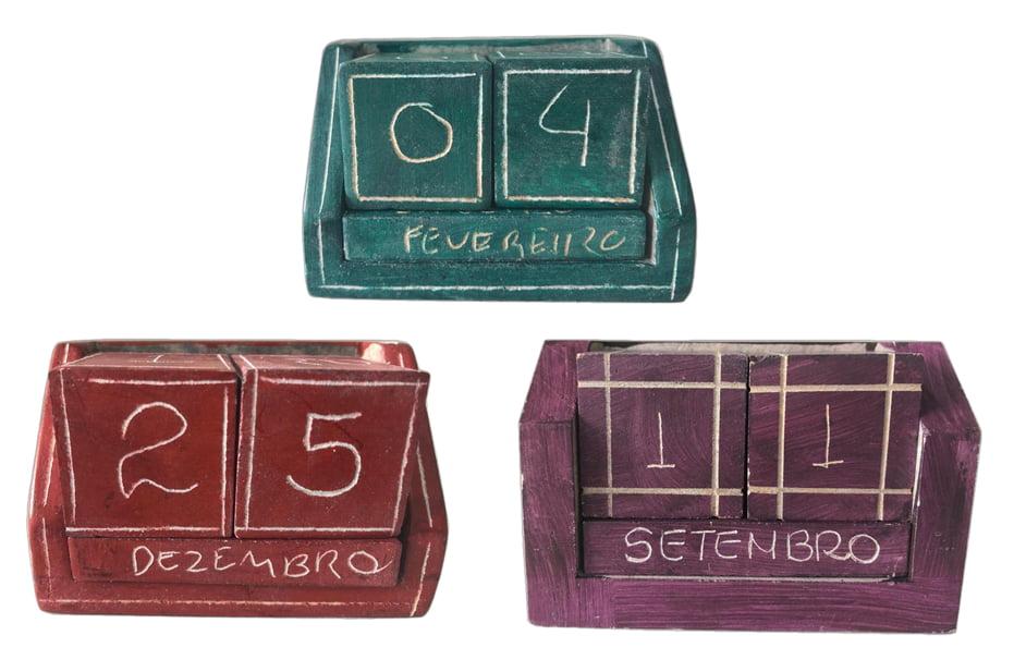 Calendário em pedra sabão