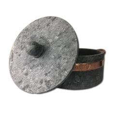 Panela de Pedra Sabão na tonalidade natural + grelha 27 cm